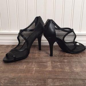 """Tahari """"LYNN"""" Open Toe Heels size 7 1/2 M"""